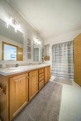 Master Bathroom, En- Suite