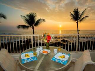 Table and seating for 2 on lanai