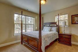 Queen Bedroom 1 - Upstairs