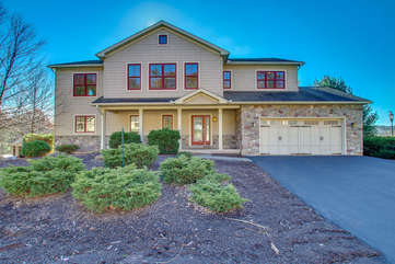 Front Picture of our 6 Bedroom Poconos Rental
