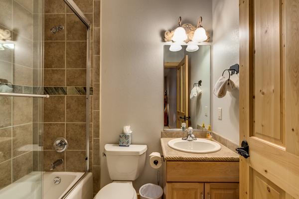 Ensuite Bathroom for Queen plus Bunk Bedroom