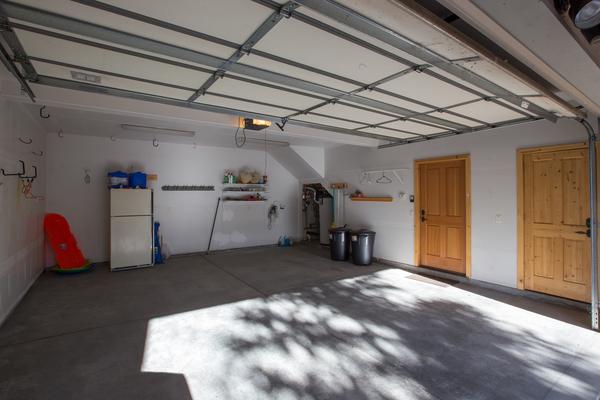 2 car garage in unit