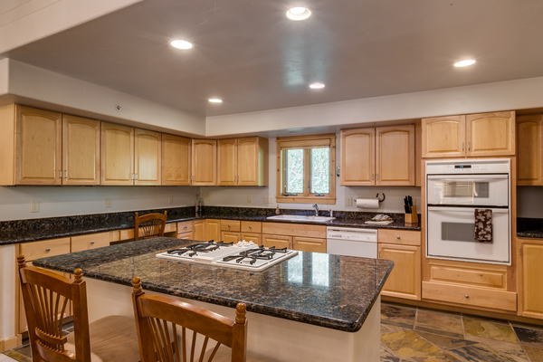 Plenty of counter and cabinet space