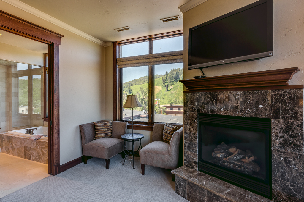 Master Bedroom Sitting Nook and Fireplace