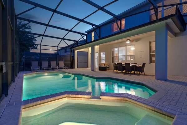 Enjoy the pool at night time with your loved ones
