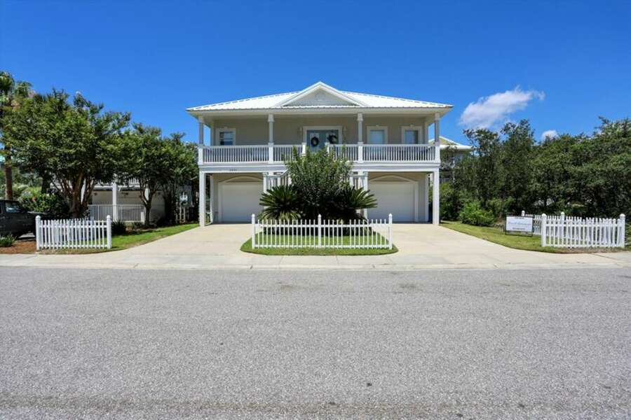 Front View of Palm Harbor Beach House