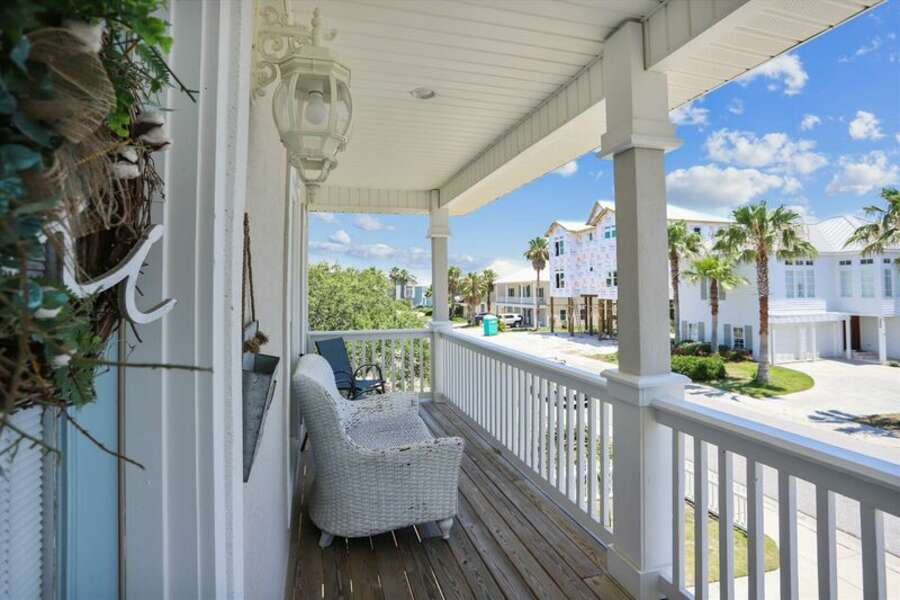 2nd Floor Front Porch