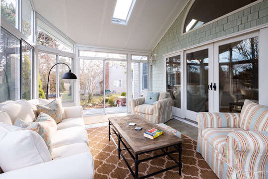 Sun porch offers the best of indoor and outdoor living - 55 Lime Hill Chatham Cape Cod - New England Vacation Rentals