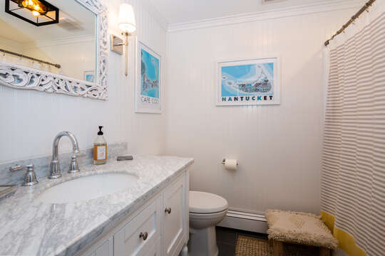 Full bathroom off the main hallway -tub and shower 55 Lime Hill Chatham Cape Cod - New England Vacation Rentals