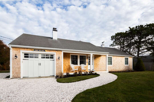 Front view of The Pearl - 55 Lime Hill Chatham Cape Cod - New England Vacation Rentals