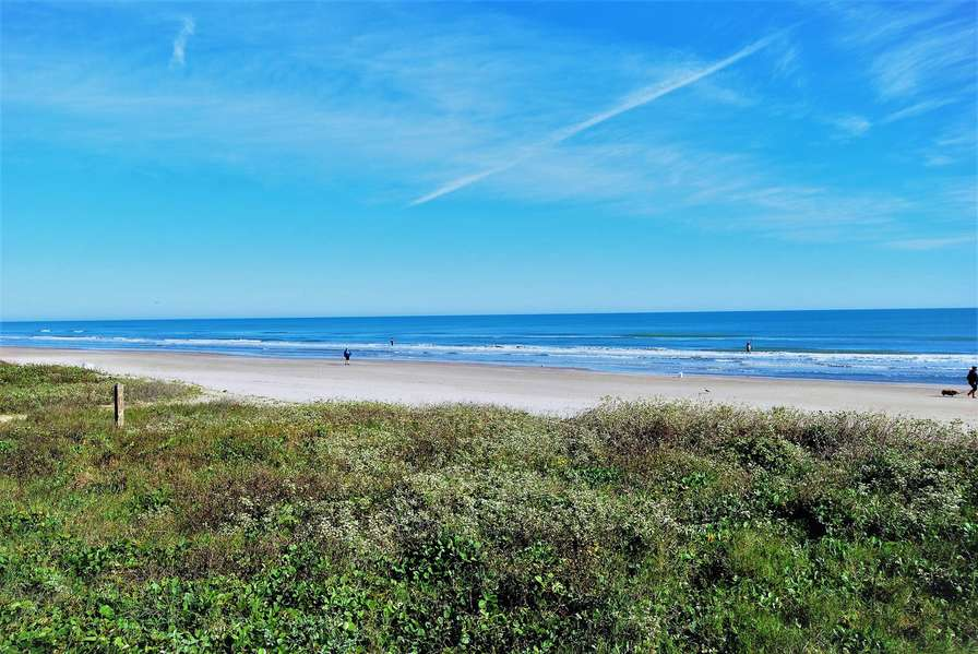 The beach is just a minute walk from the condo !