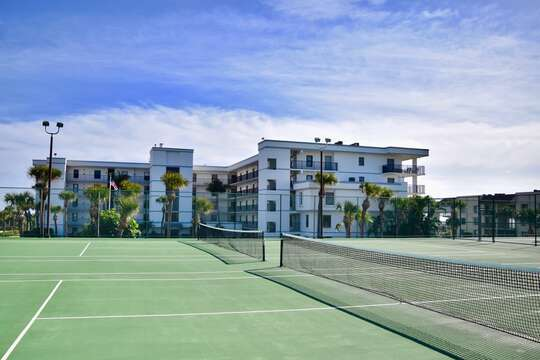 Tennis courts at Cape Winds