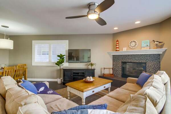 Living Area with Fireplace in our San Diego Condo Rental