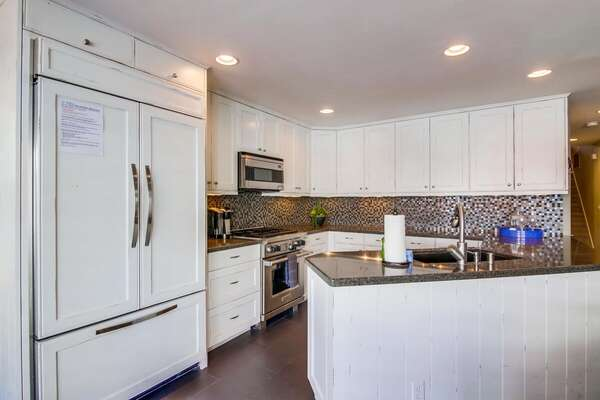 Fully Equipped Kitchen in our San Diego Condo Rental