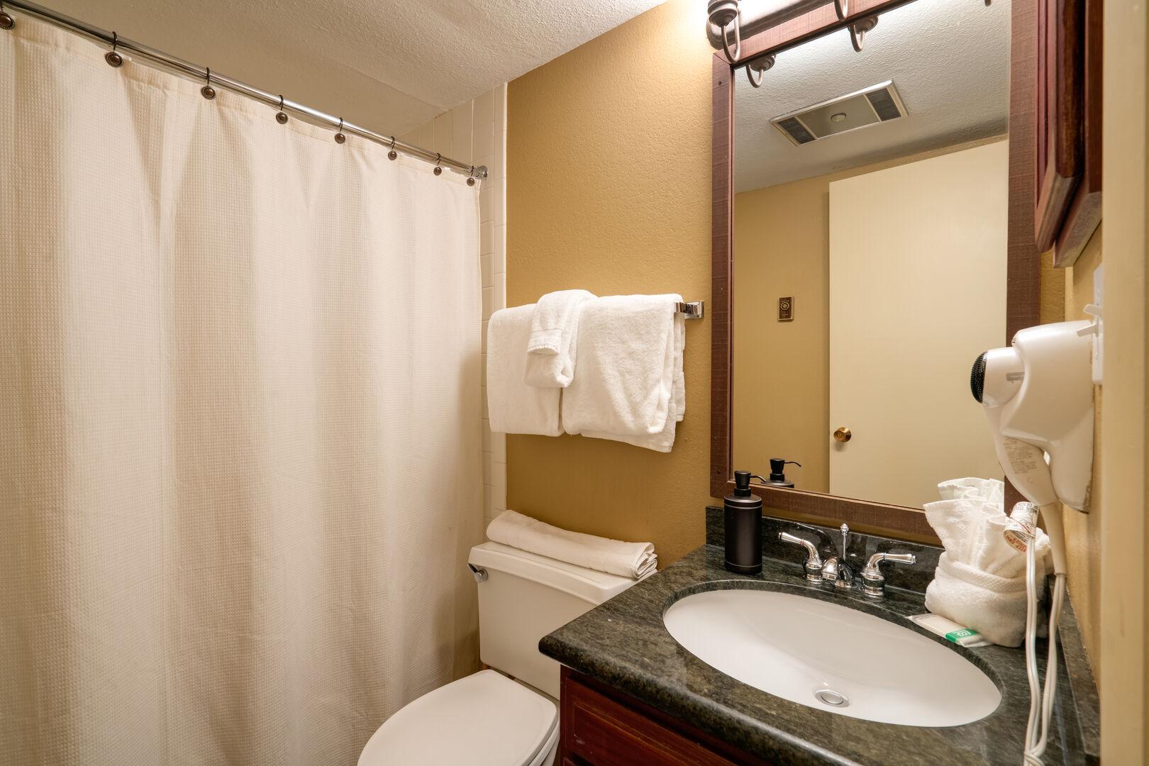 Second bathroom, tub/shower combo