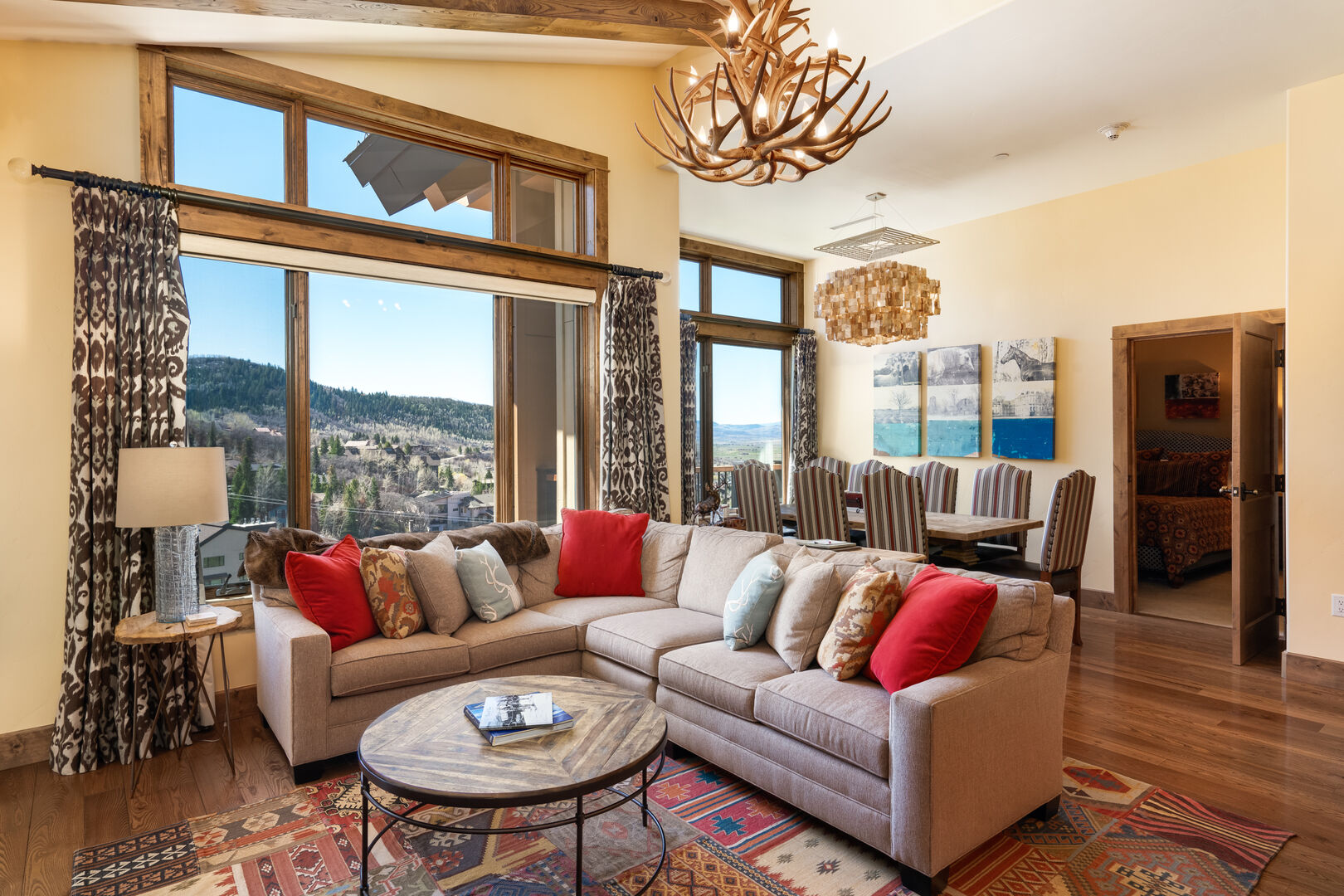 Gorgeous new couch, open floor plan at this luxurious Edgemont condo