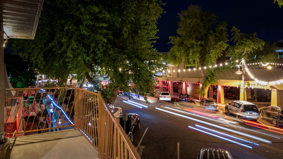 Image of Street that the Luxury Vacation Rental in Scottsdale is Located On.