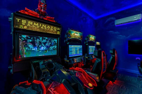 Team up with a friend on the Terminator arcade