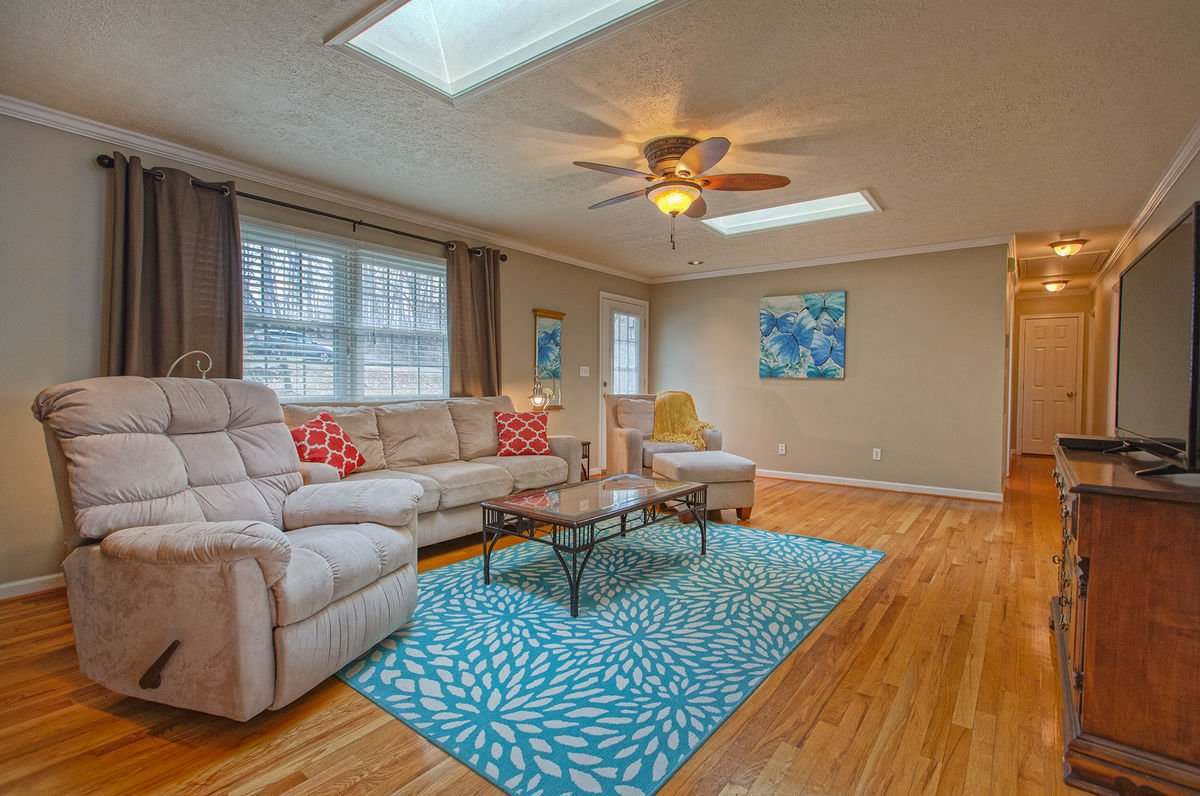 Spacious Living Room in our Smith Mountain Lake Vacation Rental