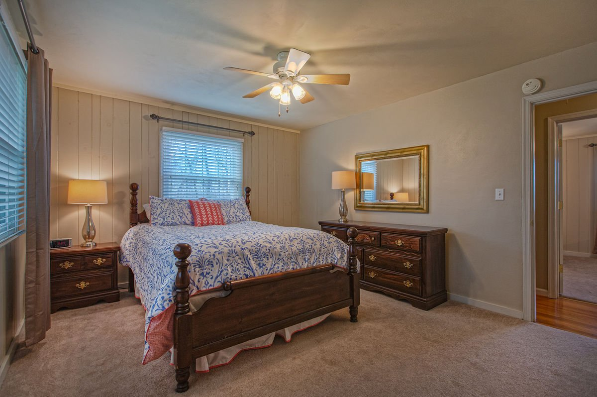 Get a Great Night's Sleep in this Cozy Queen Bed