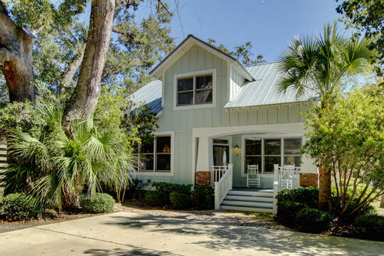Outdoor view of this St Simons Island vacation rental