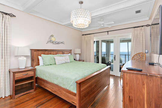 Bedroom Features Beautiful Wooden Furnishings.