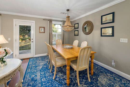 Spacious Dining Area with seating for 6 at the dining table