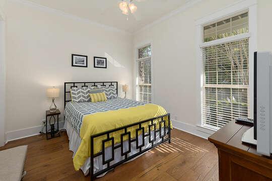 First Floor Bedroom with Queen Bed and an en-suite bathroom