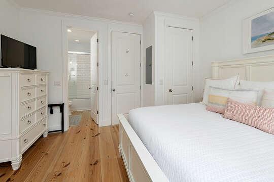 Master Bedroom with HD TV and en suite bathroom