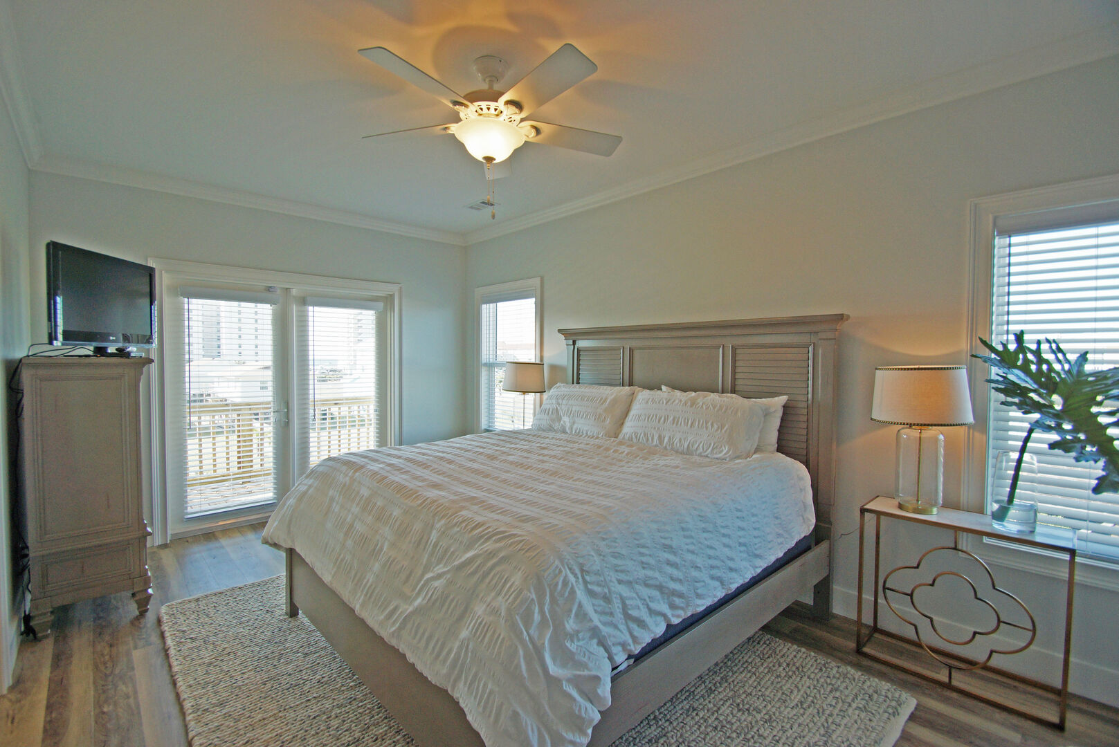 Master Bedroom with King Bed and attached Deck