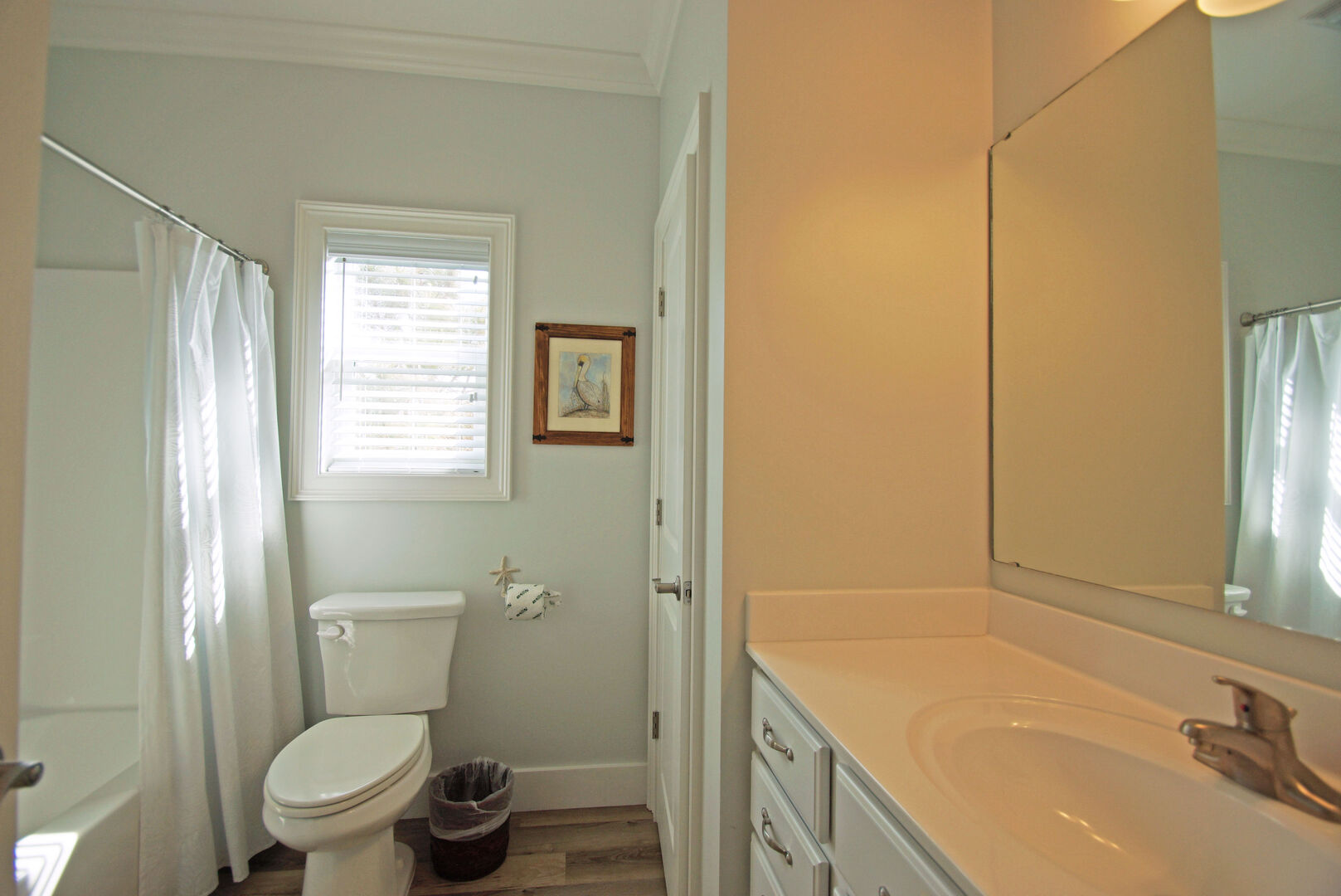 Main Floor Bathroom with Tub/Shower combo