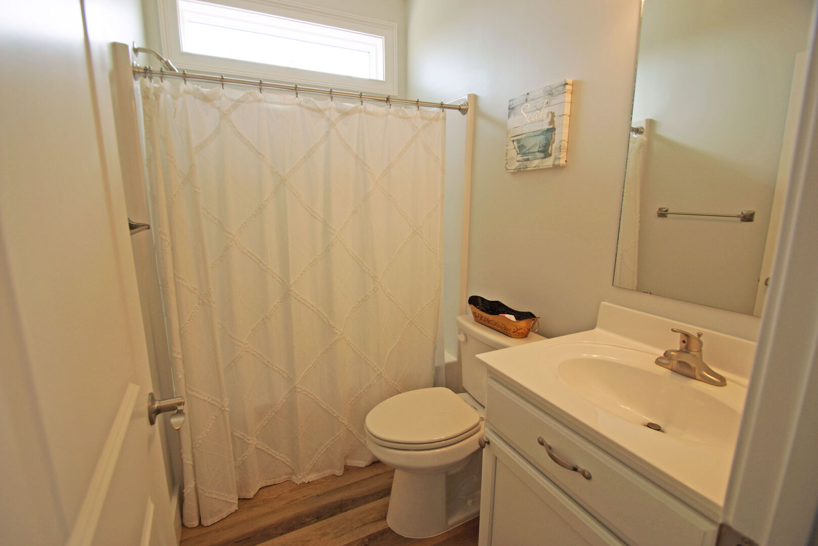 Upstairs Bathroom with Tub/Shower combo