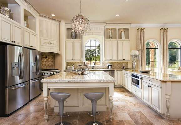 Prepare something incredible in this kitchen with double refridgerators and plenty of granite counter space