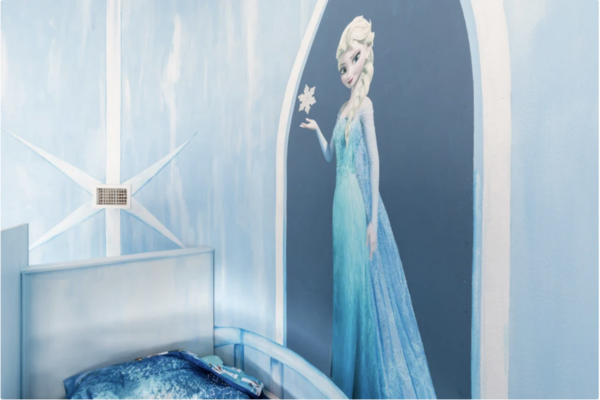 The little ones will be thrilled to see their favorite princess on the wall!