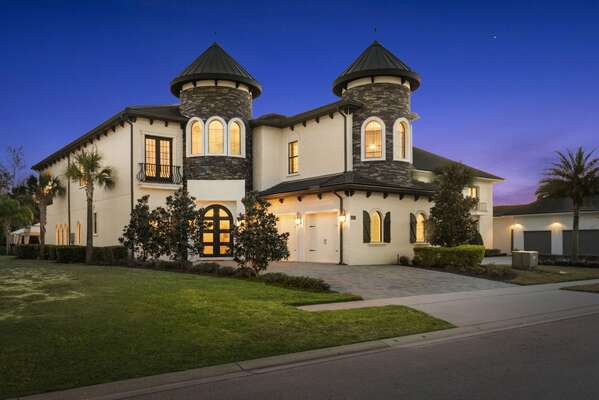 Experience an Orlando vacation unlike any other at Reunion Chateau