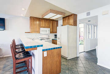Full kitchen with plenty of counter space!