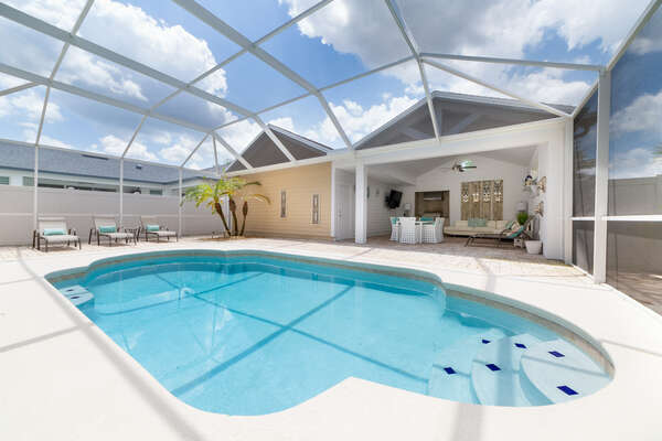 Sparkling Oasis is a beautiful 4 bedroom pool home in Reunion Resort