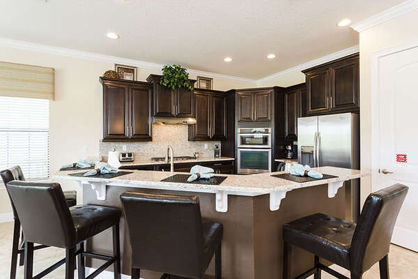 The fully equipped kitchen is great for preparing meals