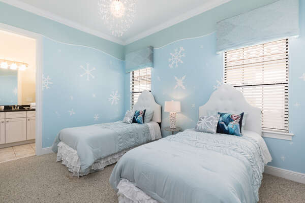 Little princesses will love this icy bedroom just for them with two twin beds