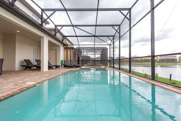 Your private pool with plenty of space for the whole family