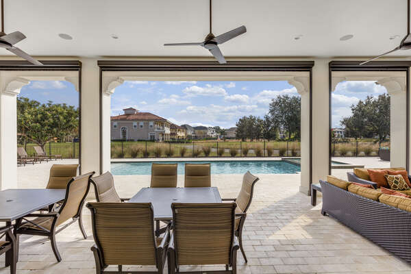 Enjoy the best of the Sunshine State while relaxing outside