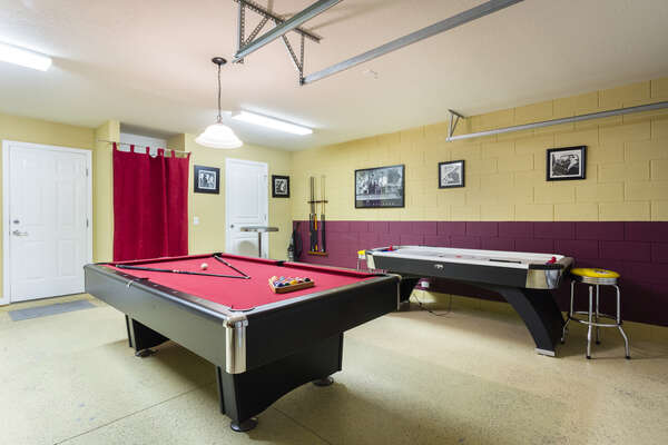 Your own games room equipped with a pool and air hockey table