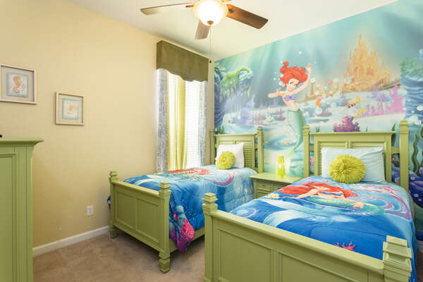 Another custom bedroom with 2 twin beds
