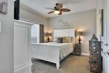 (Queen) Master bedroom
