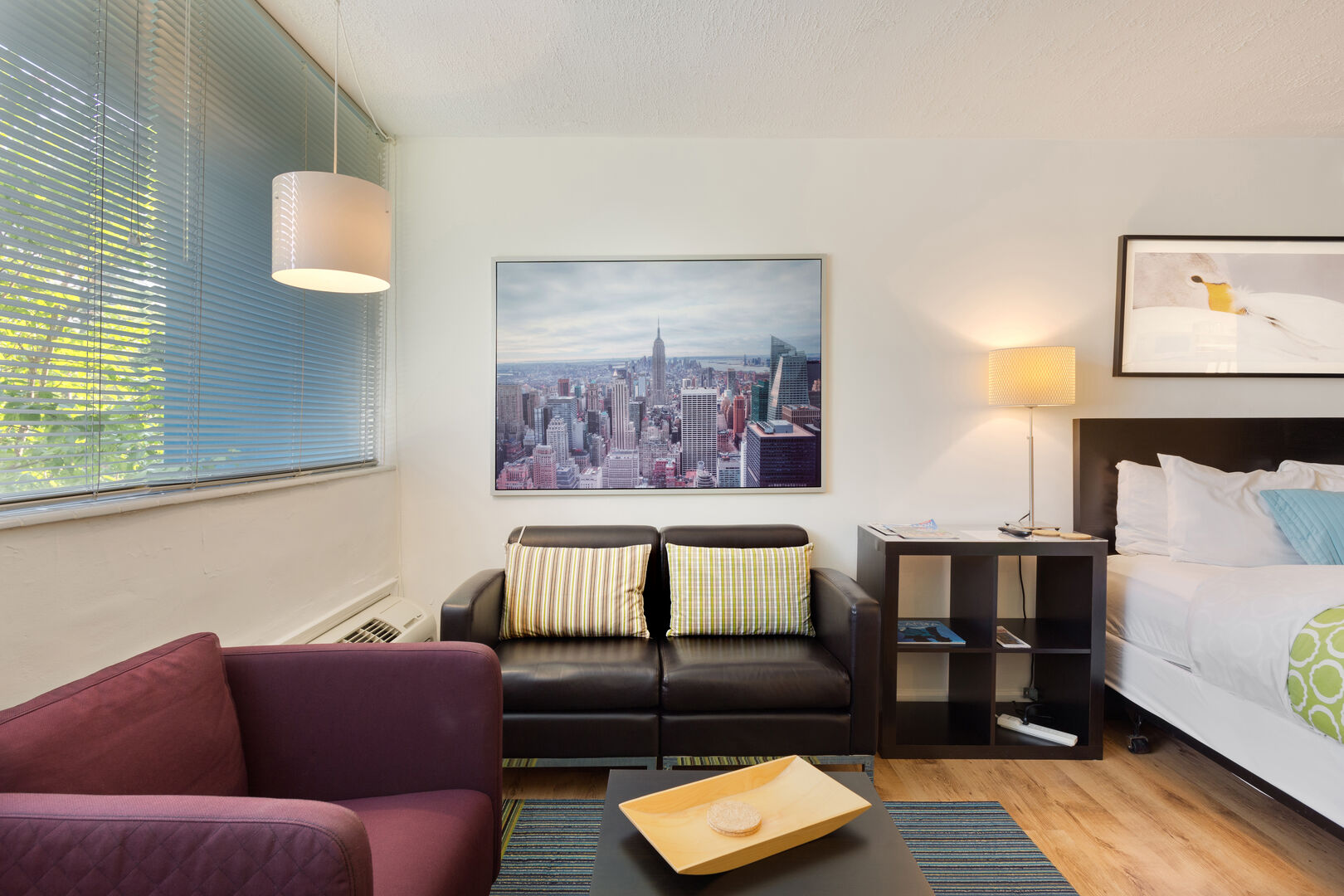 Cozy Sitting Area - Furnished Apartments Midtown Atlanta - Cool Classic Studios On 25th