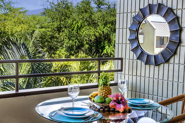 Beautiful Setting on the Outdoor Dining Table in our Kona Hawaii Vacation Rental
