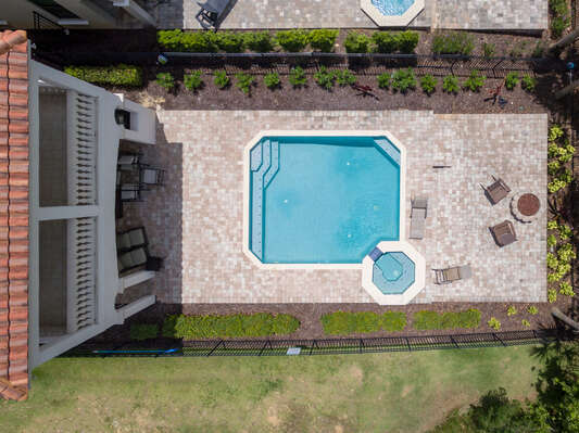 Plenty of space to accommodate everyone at this sunny pool