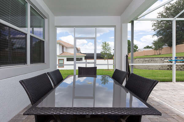 Outdoor dining table perfect to dine al fresco