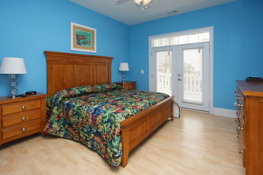 A Perfect Escape - vacation home on the boulevard in Cherry Grove, North Myrtle Beach | bedroom 1 | Thomas Beach Vacations