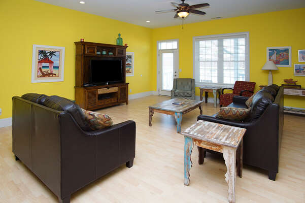 A Perfect Escape - vacation home on the boulevard in Cherry Grove, North Myrtle Beach | living room 1 | Thomas Beach Vacations